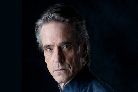 "HBO Casts Jeremy Irons In ""Watchmen"" Lead Role"